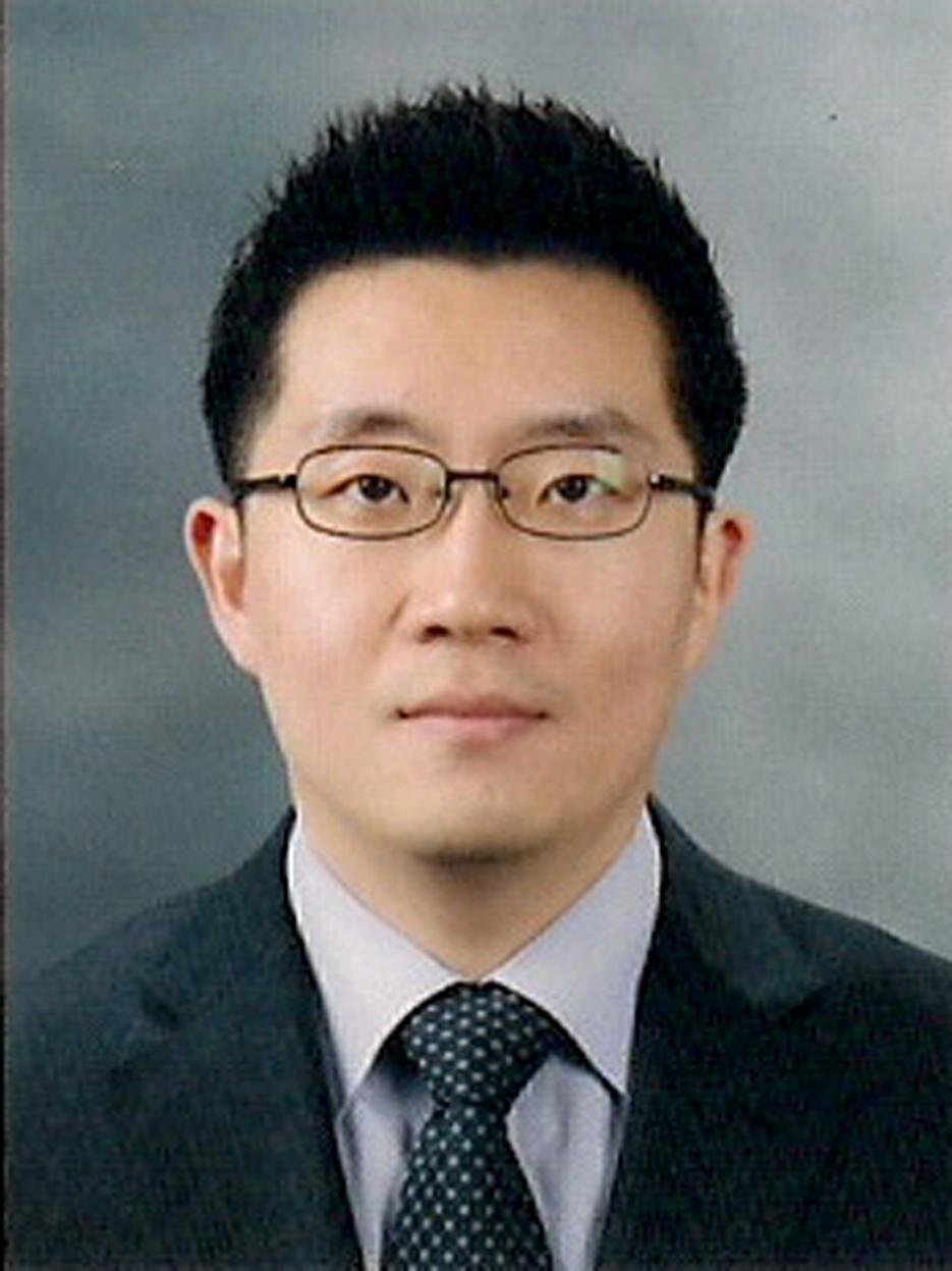 장재형교수님 사진
